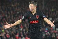 Llorente celebra un gol en Anfield.