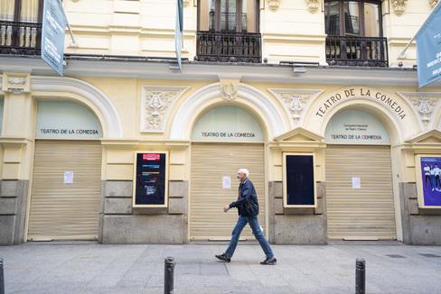 Angel Navarrete 11/03/2020 lt;HIT gt;Madrid lt;/HIT gt;, Comunidad de lt;HIT gt;Madrid lt;/HIT gt; lt;HIT gt;Teatro lt;/HIT gt; de la Comedia. Los lt;HIT gt;teatros lt;/HIT gt; dependienrtes del ministerio de cultura han cerrado debido al coronavirus