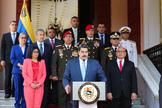 Nicolás Maduro junto a Delcy Rodríguez.