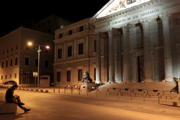 Viernes noche en una ciudad desierta: Colón, Serrano, Gran Vía...