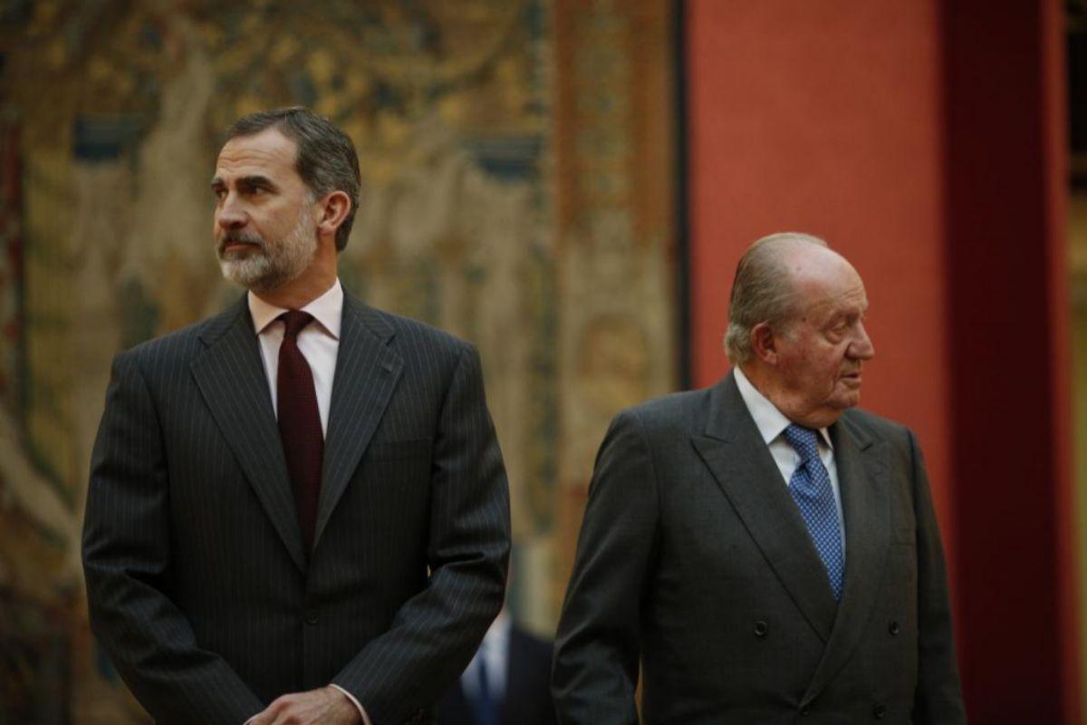 El Monarca Emérito junto a su hijo Felipe VI