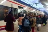 Aglomeraciones en la estación de Cercanías de Móstoles esta mañana.
