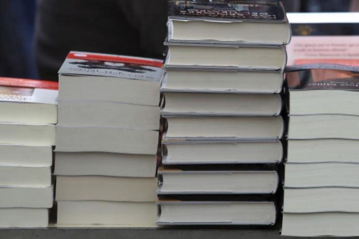 Libros amontonados en la pasada festividad de Sant Jordi.