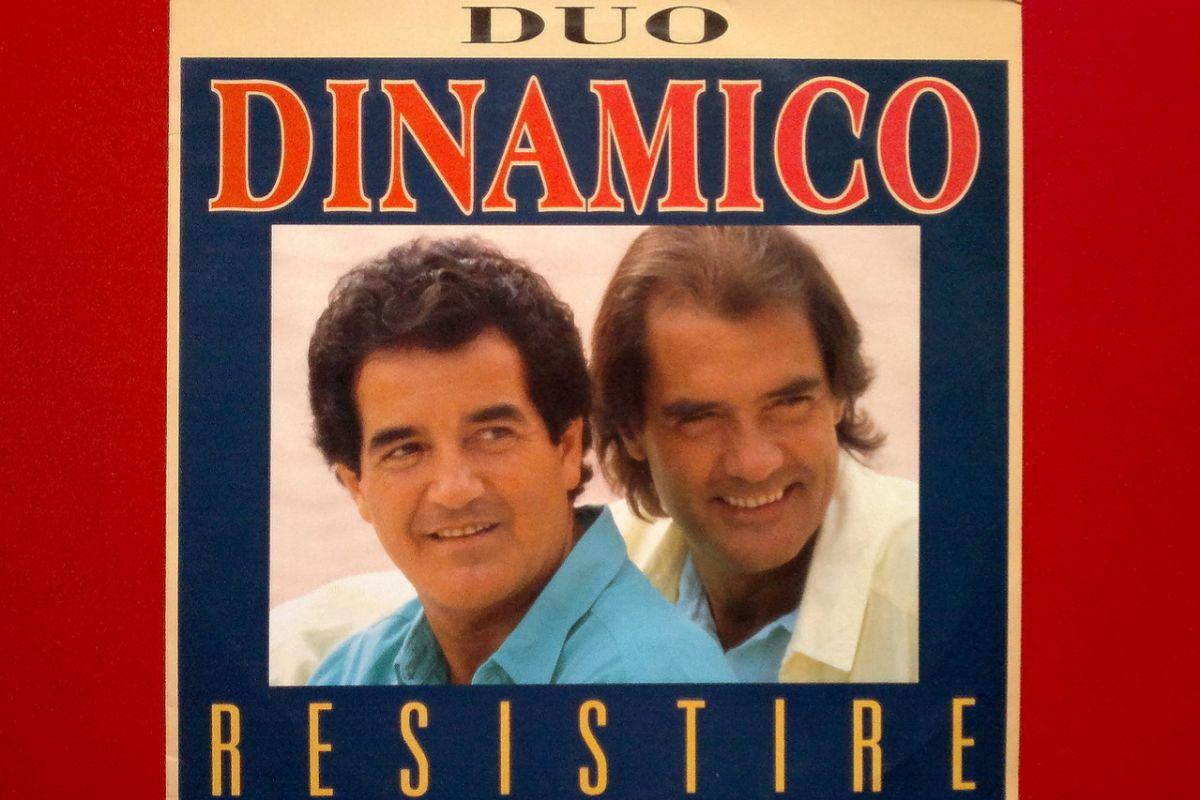 Portada del maxi-single 'Resistiré', de 1988.