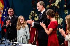 Los Reyes y sus hijas, en los premios Princesa de Asturias.