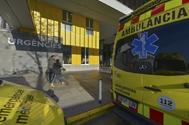 Ambulancias en el Hospital Parc Taulí de Sabadell.
