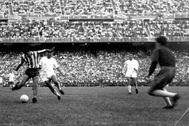 Peiró marca en la final de la Copa del Generalísimo de 1960.