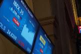 GRAF6058. MADRID.- El Ibex 35, el índice selectivo de la Bolsa española, se ha desplomado hoy un 14,06 %, el mayor descenso desde que existe este indicador, a pesar de las medidas adoptadas por el Banco Central Europeo ( lt;HIT gt;BCE lt;/HIT gt;) para hacer frente al impacto económico derivado de la expansión del coronavirus.