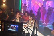 Torregrossa dando indicaciones a Jorge López durante el rodaje de uno de los capítulos de la tercera temporada de la serie que emite Netflix.