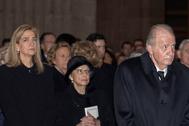 La Infanta Cristina y Don Juan Carlos, en el funeral de Pilar de Borbón.