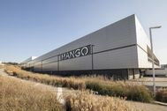 Un centro logístico de Mango