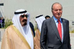 Juan Carlos I y el Rey saudí Abdullah bin Abdulaziz Al Saud, en la Conferencia Mundial para el Diálogo de Madrid (2008).