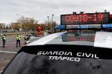 Un control de la Guardia Civil, este martes, en las inmediaciones de Madrid.