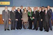 Restituto Valero, detrás de la entonces ministra de Defensa Carme Chacón cuando recibió la Cruz del Mérito Militar junto a otros miembros de la UMD