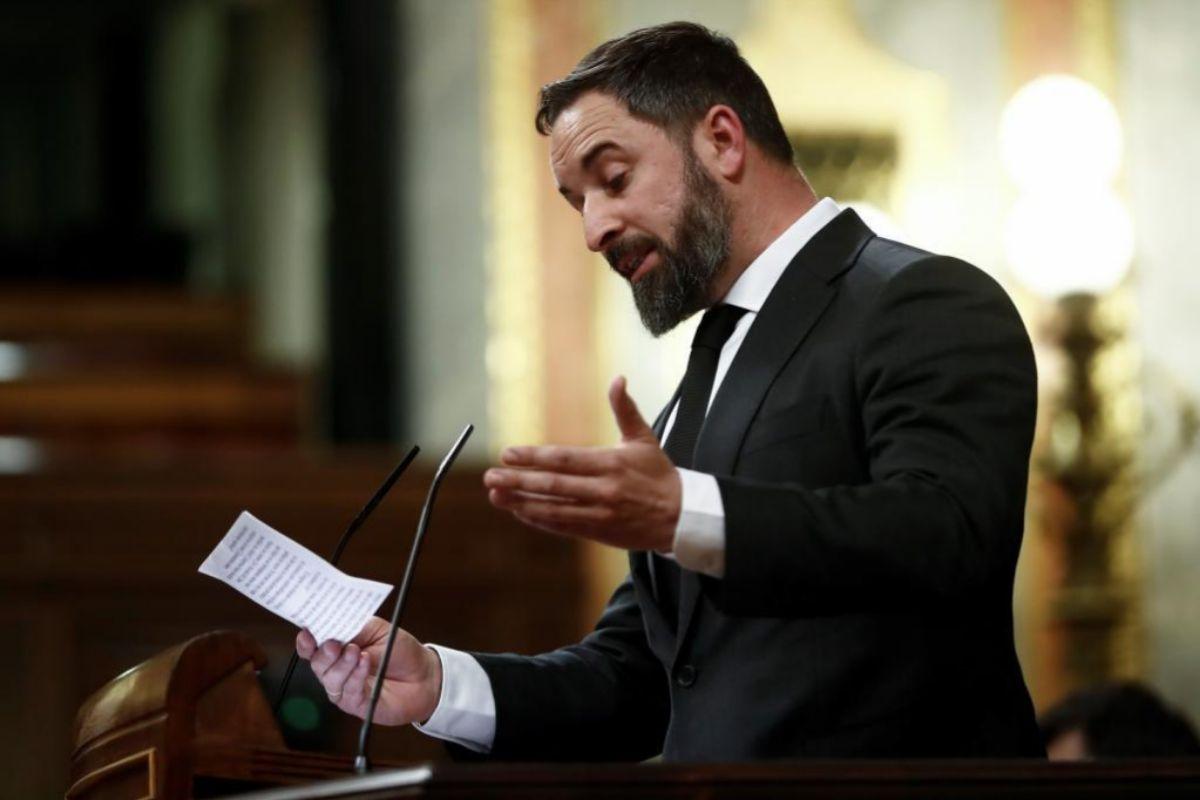 El presidente de Vox, Santiago Abascal, durante su intervenci