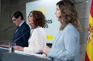 La ministra de Trabajo, Yolanda Díaz, en primer plano ayer tras el Consejo de Ministros.