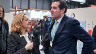 La vicepresidenta económica, Nadia Calviño, y el presidente de CEOE, Antonio Garamendi.
