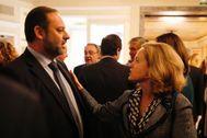 José Luis Ábalos conversa con Nadia Calviño.