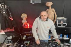 Sesiones de DJ por Instagram ponen a miles de personas bailando en su salón
