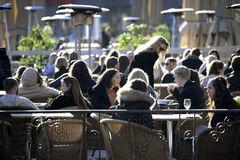 Una terraza en el centro de Estocolmo, el 26 de marzo.