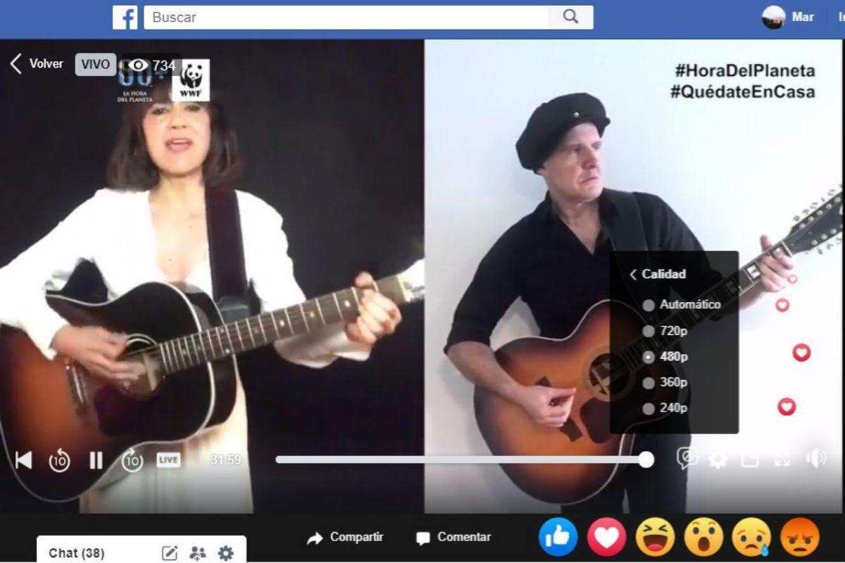 Un momento de la retransmisión de la actuación de Amaral por Facebook