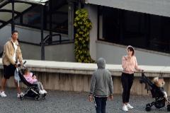 Cristiano Ronaldo y Georgina pasean a sus hijos por Funchal