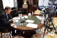 El presidente de la Generalitat, Ximo Puig, ayer durante la videoconferencia de Pedro Sánchez con los presidentes autonómicos.