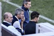 Gil Marín, Berta y Simeone, durante un entrenamiento del Atlético.