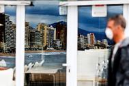 El grueso de las pymes españolas se concentra en el turismo, la hostelería y el comercio, actividades que van a ser especialmente golpeadas por la recesión.