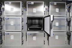Nichos frigoríficos de la nueva morgue de la Comunidad de Madrid.
