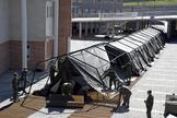 Militares levantando un hospital de campaña en Segovia, el pasado jueves.