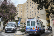 Acceso al Hospital Regional Universitario de Málaga.