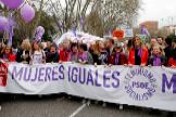 Imagen de una de las cabeceras de la manifestacion del 8 de marzo en Madrid, con la vicepresidenta Carmen Calvo y la esposa de Pedro Sánchez, Begoña Gómez, entre otras ministras.