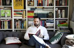 El líder de Vox, Santiago Abascal, en una imagen de 2019 en su domicilio.
