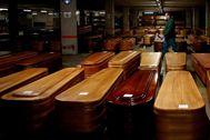 Imagen tomada ayer del aparcamiento del tanatorio de Collserola (Barcelona), ahora cerrado al público y convertido en morgue.