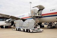 Material llegado al aeropuerto de Zaragoza