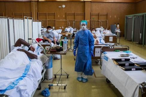 De los 21 evacuados de Wuhan a dedicar el 95% de sus camas a combatir el coronavirus