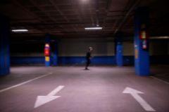 """Madrid, 03 de abril de 2020. Epidemia Coronavirus COVID 19. Foto ilustracion """"Correr en el lt;HIT gt;garage lt;/HIT gt;"""" ante la prohibicion de salir a la calle durante el estado de alarma."""
