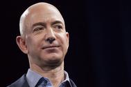 Amazon, la compañía de Bezos podría ser la mayor beneficiada por esta la dinámica menos social que adoptaresmos tran el coronavirus..