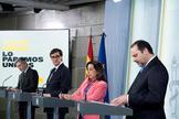 Los ministros José Luis Ábalos (dcha), Margarita Robles, Salvador Illa (2i), y Fernando Grande Marlaska, durante una rueda de prensa este domingo en Moncloa