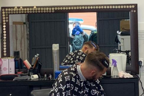 El peluquero denunciado por saltarse el confinamiento.