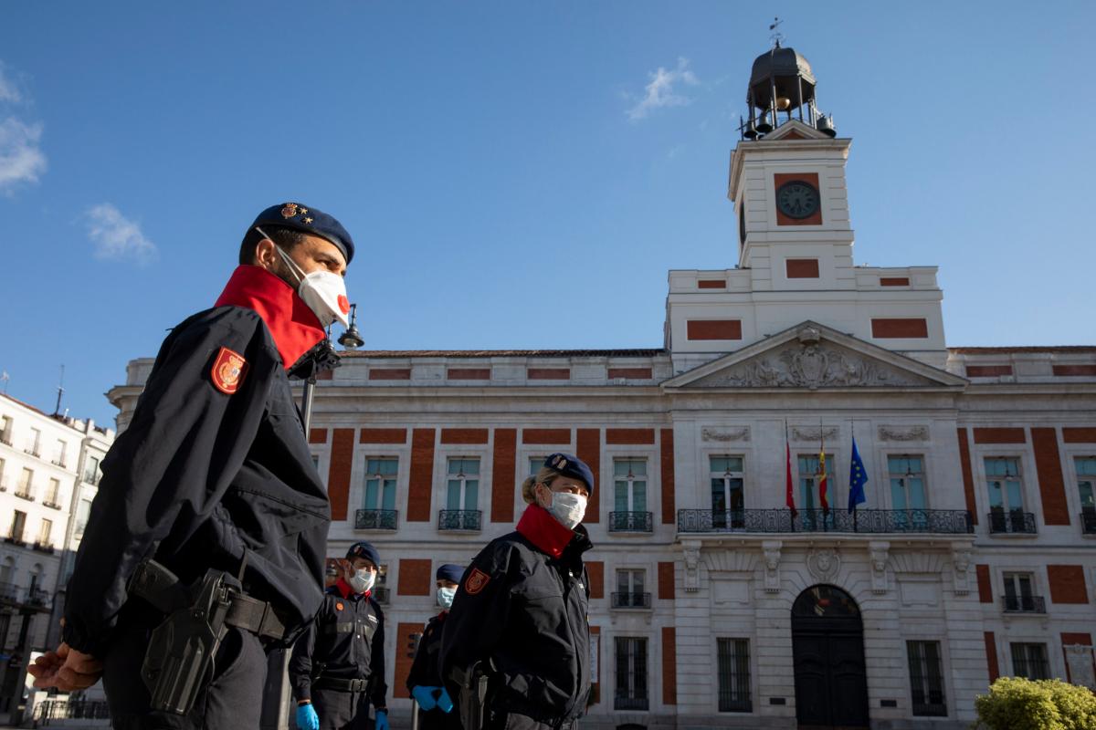Los juristas avisan: carece de cobertura legal el confinamiento obligatorio fuera del domicilio