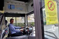 Un conductor de un autobús de la EMT.