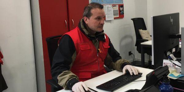 Castillejo, frente al ordenador de su despacho.