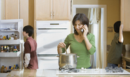 En casa con dos adolescentes: cocina non-stop y lavandería industrial