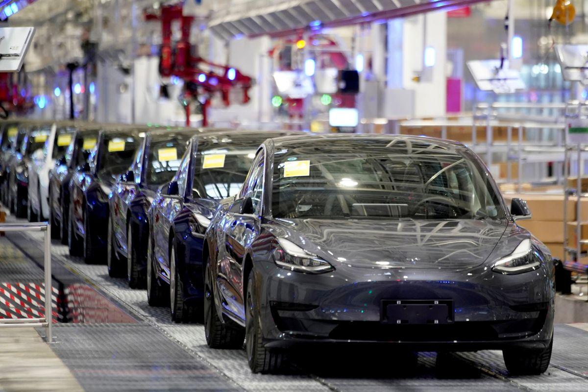 Tesla recortará los sueldos, hasta un 30% en el caso de los directivos más altos