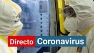 Personal de Renfe en uno de los trenes medicalizados para transporte de enfermos de coronavirus