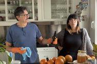 Carlos Bardem y Cecilia Gessa en un momento de 'Diarios de la cuarentena', de TVE.