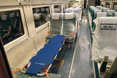 Interior de uno de los trenes que han sido medicalizados para llevar pacientes.