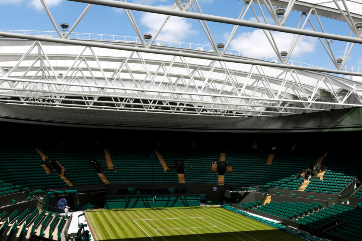 lt;HIT gt;Wimbledon lt;/HIT gt; (United Kingdom).- (FILE) -General view of Court No. 1 with the new moveable roof construction during the lt;HIT gt;Wimbledon lt;/HIT gt; Championships at the All England Lawn Tennis Club, in London, Britain, 30 June 2019. The All England Lawn Tennis Club (AELTC) announced on 01 April to cancel this year's lt;HIT gt;Wimbledon lt;/HIT gt; Championships due to the corona crisis. This is the first time since the Second World War that lt;HIT gt;Wimbledon lt;/HIT gt; won't take place. Next year's tournament is planned from 28th June until 11th July 2021. (Tenis, Reino Unido, Londres) EPA/ EDITORIAL USE ONLY/NO COMMERCIAL SALES *** Local Caption *** 55309595